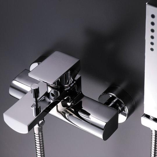 Arch Shower & Faucet